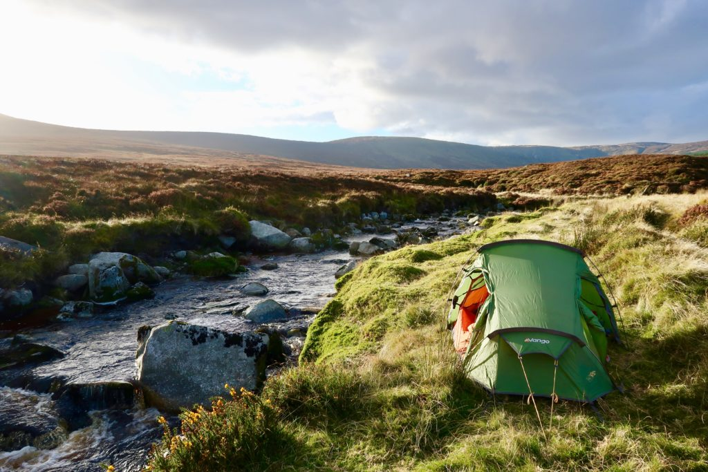 Wild Camping next to a river